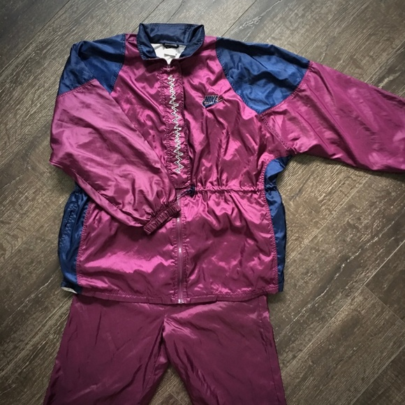 bc9162a4 Vintage Nike Lady Foot Locker Retro Jog Track Suit